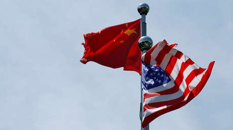 """EE.UU. incluye en la lista negra a 24 compañías chinas por """"ayudar a construir islas militares"""" en el mar de China Meridional"""