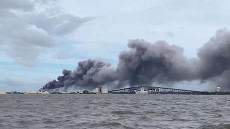 VIDEO: El gobernador de Luisiana llama a buscar refugio por un incendio en una planta de químicos tras el paso del huracán Laura