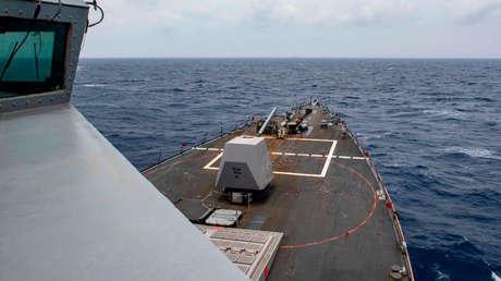 El Ejército chino anuncia que expulsó un destructor de EE.UU. de aguas cercanas a las islas Paracelso en el mar de China Meridional