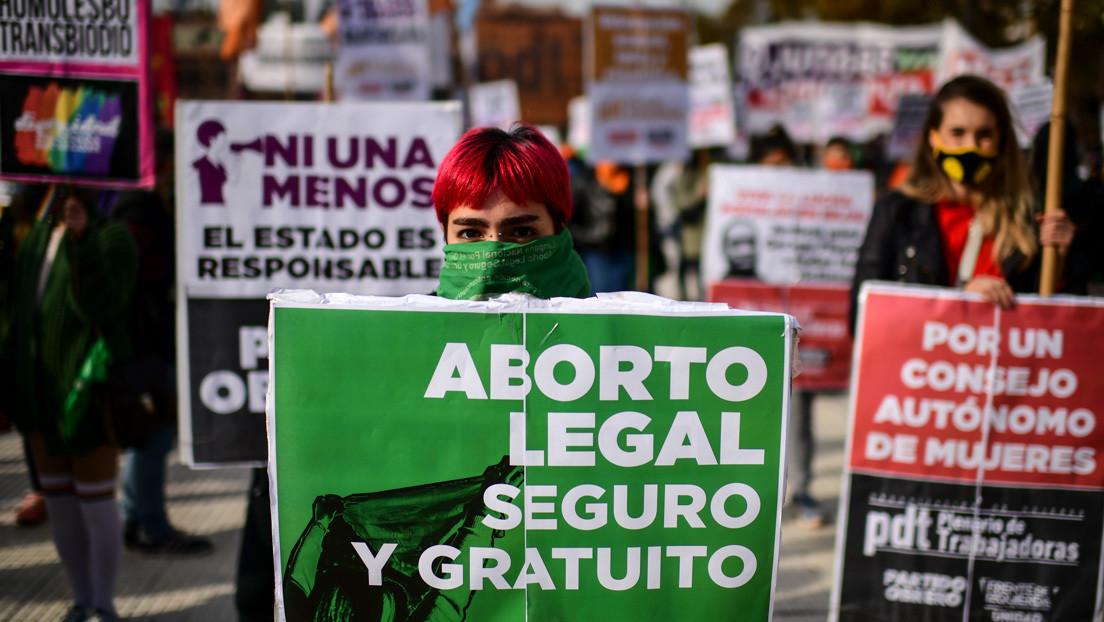 """""""Es hora de saldar una deuda"""": La petición a Alberto Fernández para impulsar la legalización del aborto en Argentina"""