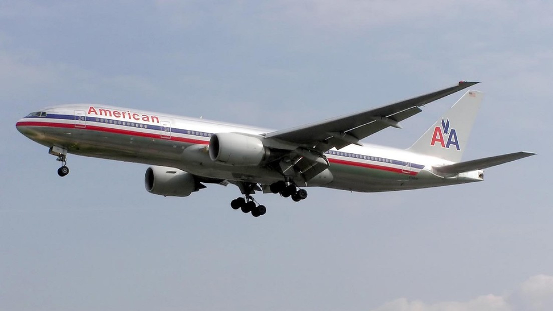 """El FBI investiga avisos sobre un """"tipo con mochila propulsora"""" que volaba a 1.000 metros cerca de aviones en Los Ángeles"""