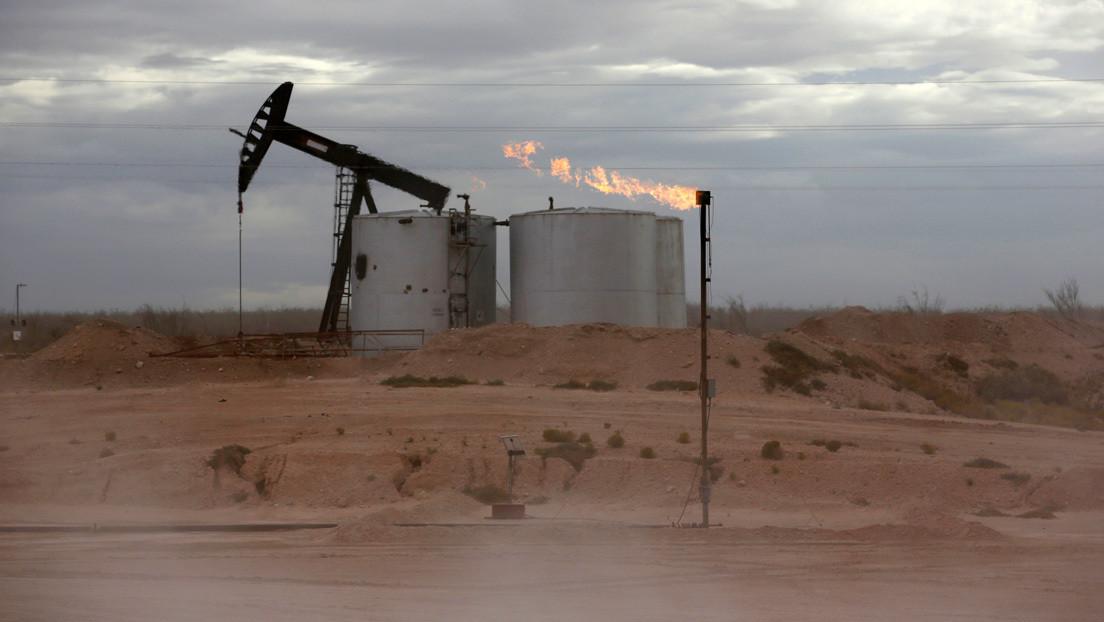 Goldman Sachs espera que el petróleo Brent alcance los 65 dólares el próximo año