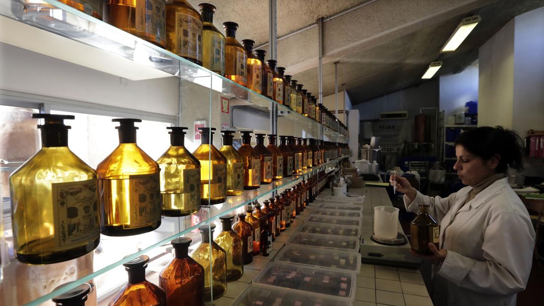 Científicos rusos recrearán un perfume de siglo XVIII a partir de los frascos hallados en un barco naufragado