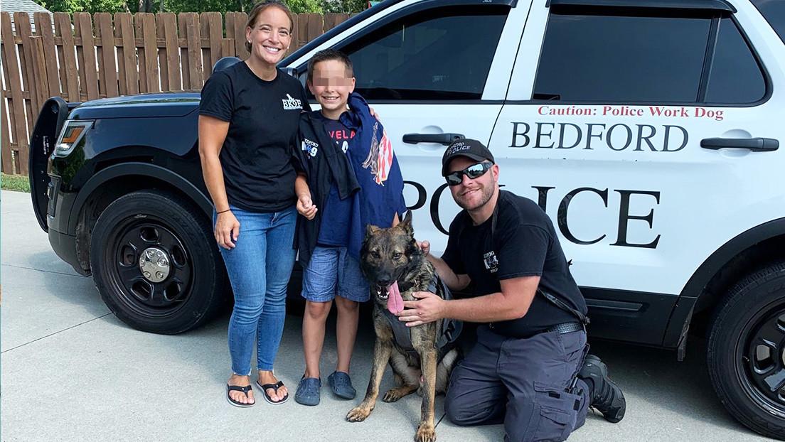 Un niño de 10 años dona más de 250 chalecos antibalas para perros policía