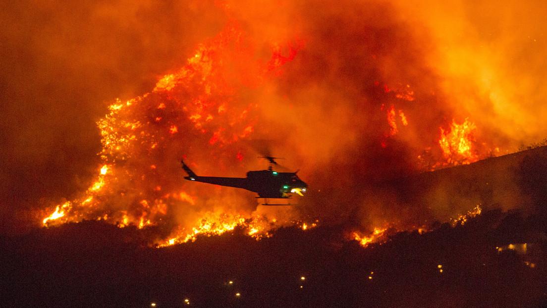 VIDEOS, FOTOS: California declara el estado de emergencia mientras evacúan a más de 200 personas atrapadas por incendios forestales