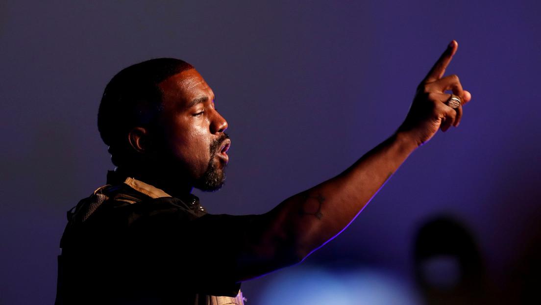 VIDEOS: Kanye West 'reproduce' un milagro de Jesús caminando sobre el agua y deja perpleja a la Red