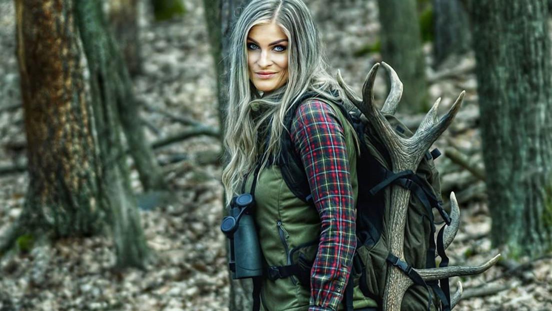 """Una cazadora revela que recibe amenazas de muerte de críticos que desean que """"muera como los animales"""" a los que dispara"""