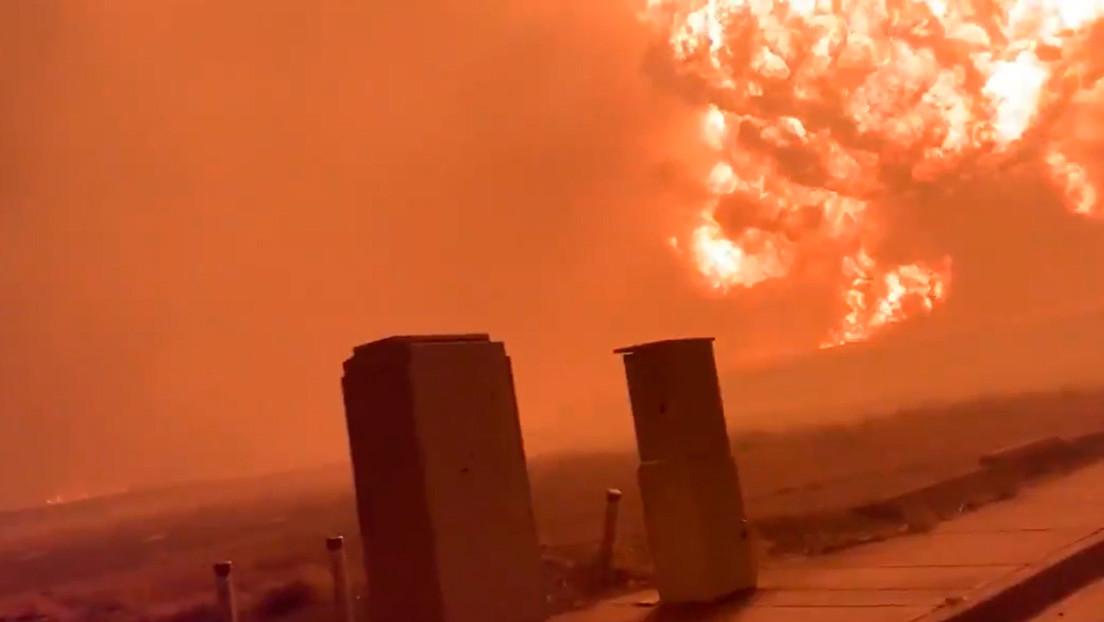 """VIDEO: Captan una enorme bola de fuego en Oregón y confirman la """"destrucción sustancial"""" de cinco localidades por incendios"""