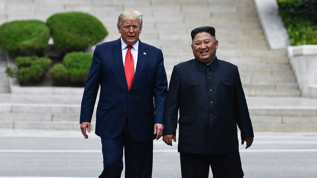 """Kim Jong-un comparó su relación con Trump con """"una fuerza mágica"""" y """"una película de fantasía"""" en sus cartas al presidente, según un nuevo libro"""