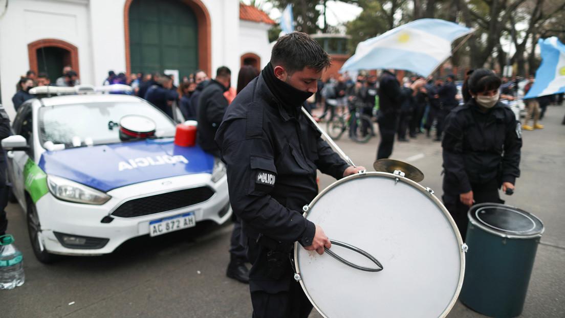 Bomba molotov, defensa de la democracia y cacerolazo: Qué pasó en la maratónica jornada que (otra vez) estremeció a Argentina
