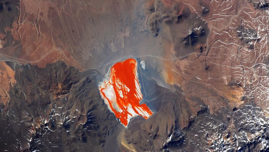 FOTO: Publican una asombrosa imagen de la Laguna Colorada de Bolivia tomada desde la Estación Espacial Internacional