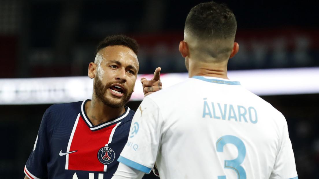 """""""Lamento no haberle pegado en la cara"""": expulsan a Neymar por agredir a un jugador por un presunto insulto racista en el 'clásico' francés (VIDEOS)"""