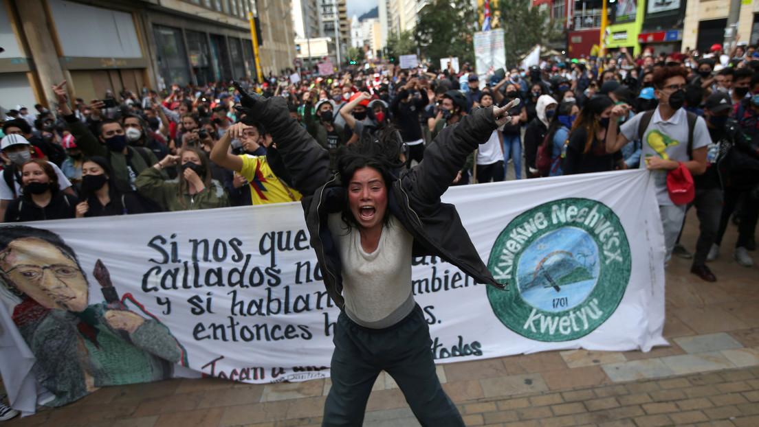 Por qué la muerte de un humilde taxista incendió (de nuevo) las calles de Bogotá