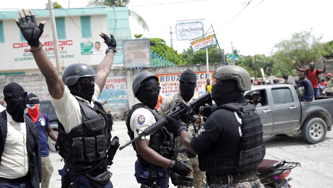 Estallan caóticas protestas en Haití para exigir la liberación de un oficial detenido (VIDEO)