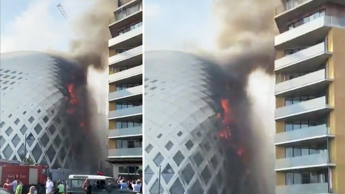 Se declara un incendio en un edificio diseñado por la arquitecta Zaha Hadid en Beirut (VIDEOS)