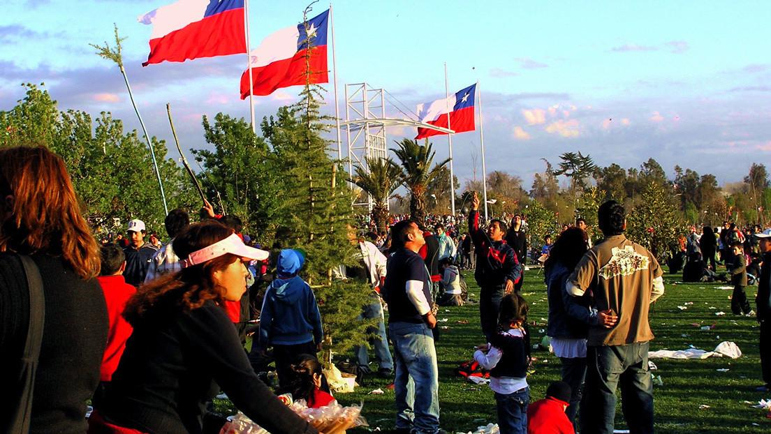 'Fondéate en tu casa': el controvertido plan de Chile para celebrar las Fiestas Patrias en plena pandemia