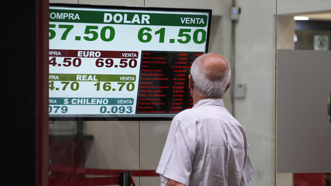 El interminable tango del dólar en Argentina: acusaciones entre oficialismo y oposición, ansiedad por comprar divisas y la economía en crisis