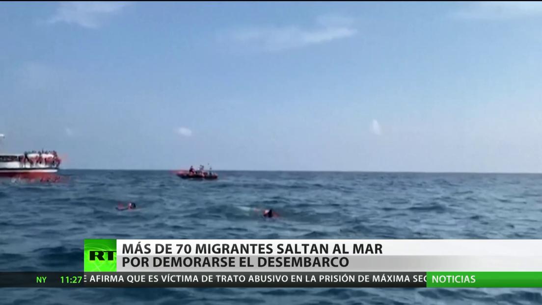 Más de 70 migrantes rescatados por una ONG se lanzan al mar cerca de Sicilia ante la imposibilidad de desembarcar