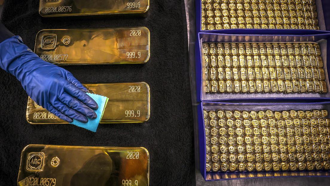 """Vaticinan alzas del oro mientras la Fed siga """"fuera de control"""""""