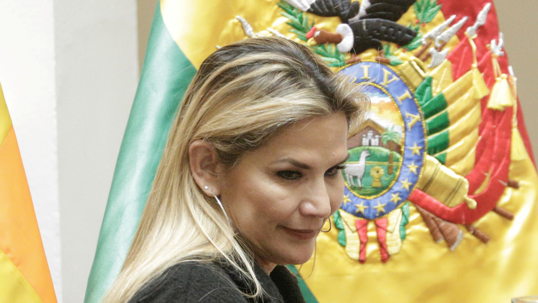 Jeanine Áñez anuncia el retiro de su candidatura presidencial para las elecciones en Bolivia