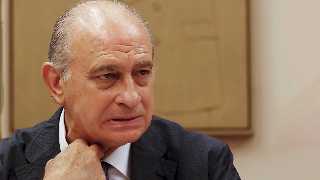 Imputan al exministro español de Interior Jorge Fernández Díaz como supuesto responsable de una operación de espionaje financiada con dinero público