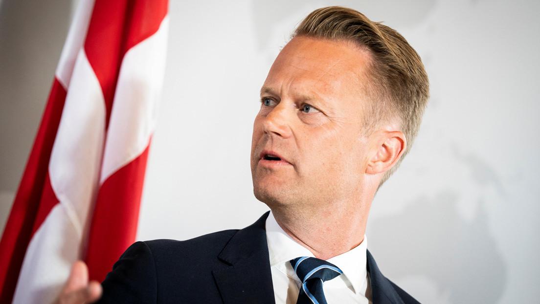 El canciller de Dinamarca se disculpa por tener relaciones sexuales con una adolescente