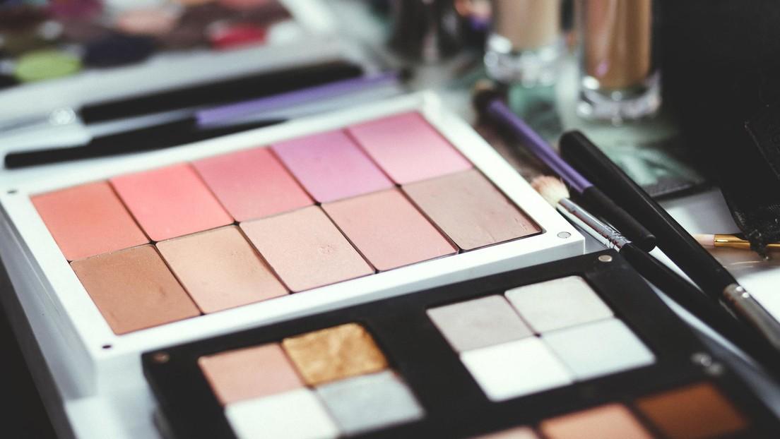 Una marca de cosmética recibe fuertes críticas por un colorete bautizado como Ana Frank
