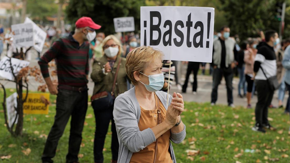 Sin posibilidad de teletrabajo y con hacinamiento: la Comunidad de Madrid 'confina' a los barrios obreros entre críticas por su gestión