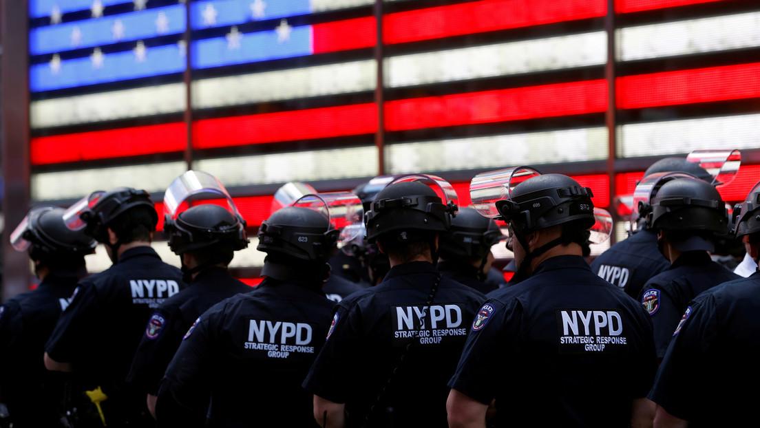 """Acusan a un policía neoyorquino de """"actuar como agente ilegal"""" de China y espiar a los tibetanos"""