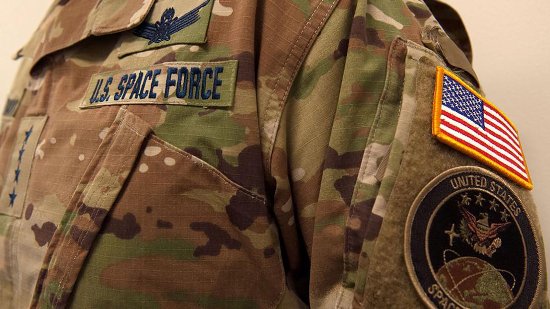 La Fuerza Espacial de EE.UU. se despliega por primera vez en el extranjero y llega al golfo Pérsico (VIDEO)