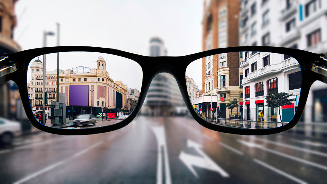 VIDEO: Un oculista muestra cómo ve el mundo un miope, en primera persona