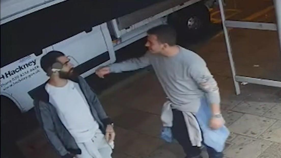 VIDEO: Publican las imágenes de dos hombres riéndose, sospechosos de violar a una mujer cuando regresaba de un pub en Londres