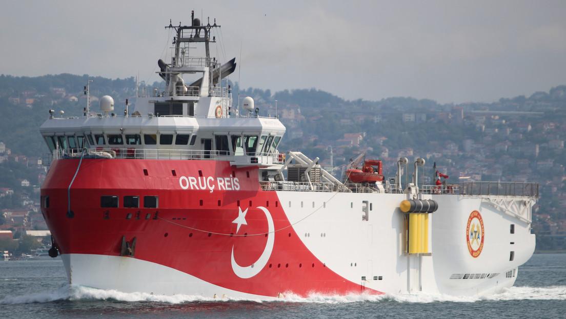 Grecia y Turquía acuerdan reanudar los contactos exploratorios en el Mediterráneo oriental tras una escalada de tensiones