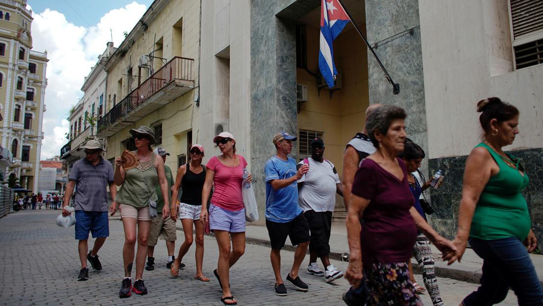 EE.UU. sancionará a los turistas que se hospeden en propiedades del Gobierno cubano y prohibirá la importación de puros y licores desde la isla