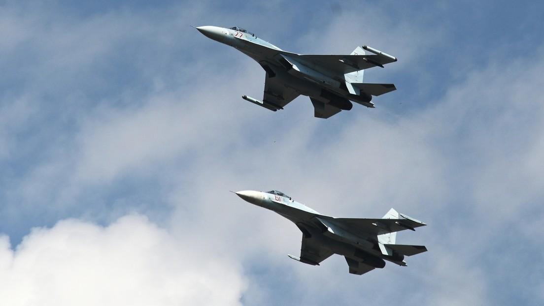 Dos cazas Su-27 interceptan dos bombarderos estratégicos de EE.UU. sobre el mar Negro