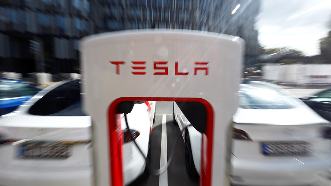 Tesla sufre una interrupción total de la red que impide a los propietarios acceder a sus vehículos y a la 'app'