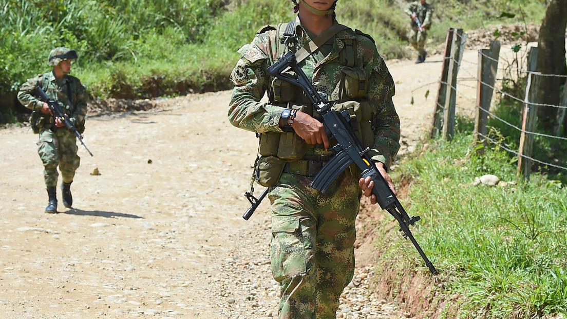 Señalan a un soldado de matar a una mujer en Cauca