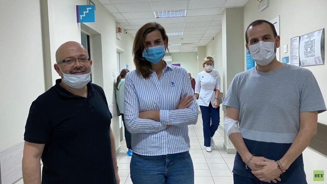 Empleados extranjeros de RT se someten a un examen médico para participar como voluntarios en la fase 3 de los ensayos de Sputnik V
