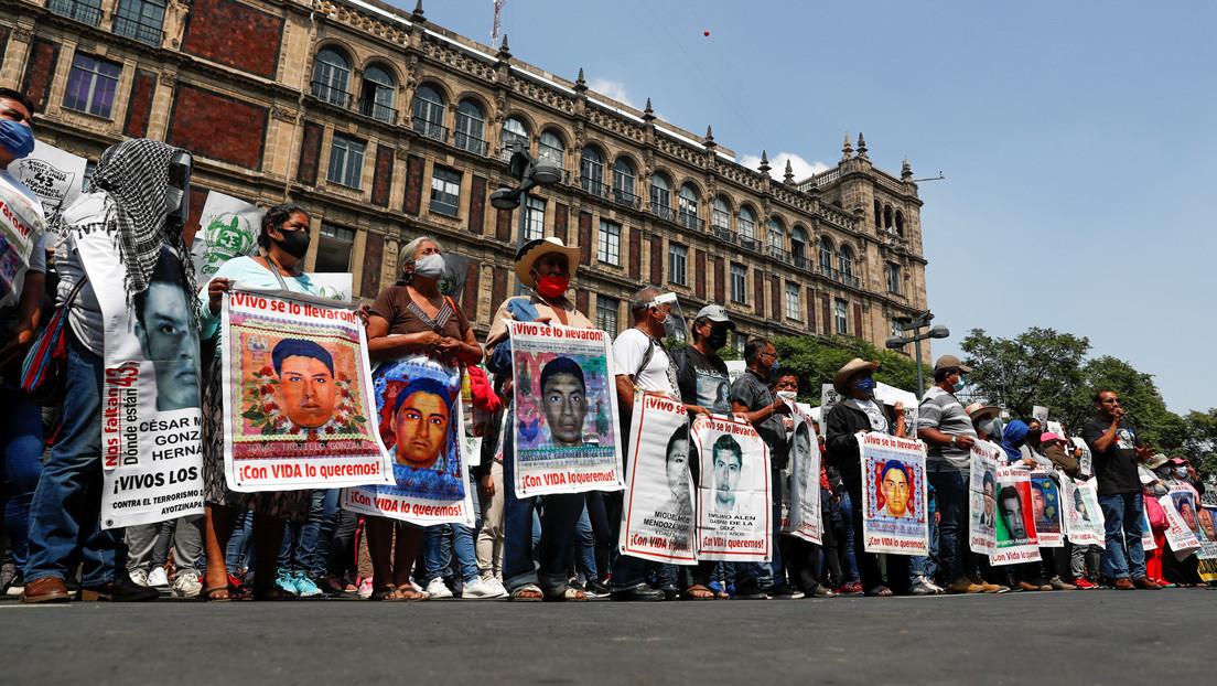"""El fin de la """"verdad histórica"""", una extradición pendiente y la búsqueda de los 43 estudiantes: ¿qué ha pasado a seis años de Ayotzinapa?"""