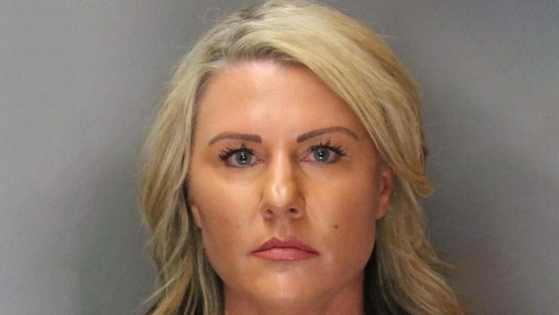 Una exayudante de sheriff es sentenciada a prisión por tener relaciones sexuales con un menor