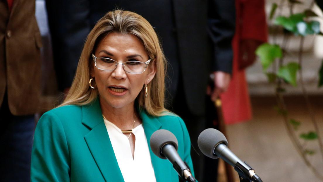 Tribunal de Bolivia aprueba la disolución de la alianza de Jeanine Áñez, pero su foto aparecerá en las boletas electorales
