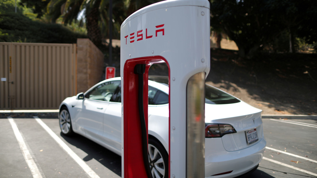 """Experto explica por qué $ 25,000 Tesla """"pone el último clavo en el ataúd de los coches a base de petróleo"""""""