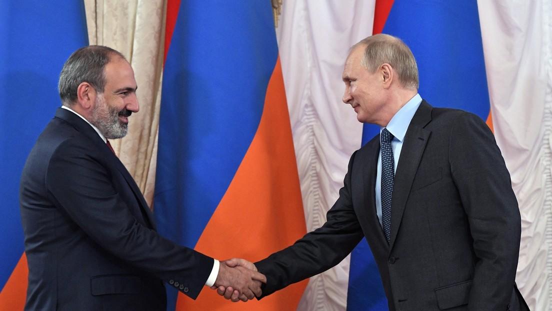 Putin mantiene una conversación telefónica con el primer ministro de Armenia en medio de la escalada de tensiones entre Bakú y Ereván