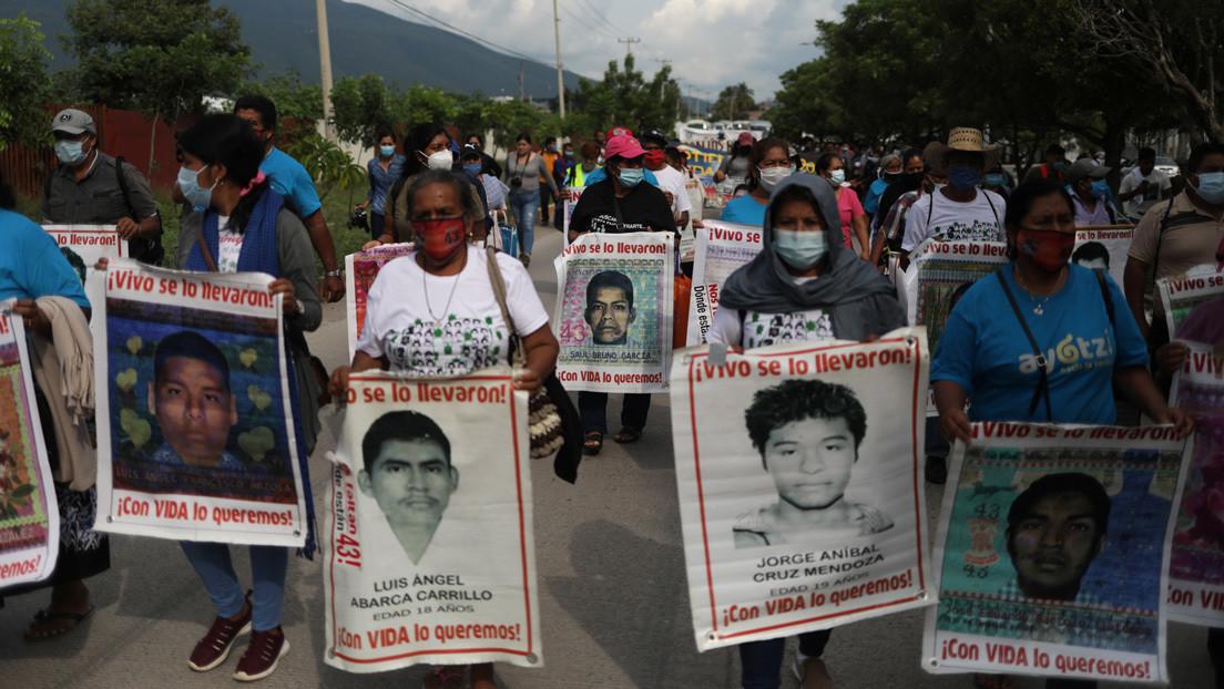 """""""Hubo un pacto de silencio"""": López Obrador plantea que los detenidos por el caso Ayotzinapa sean testigos protegidos si otorgan información"""