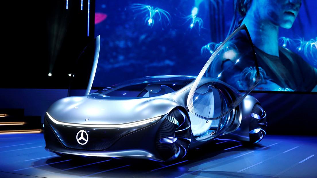 VIDEO: Prueban el automóvil futurista inspirado en 'Avatar' de Mercedes Benz thumbnail