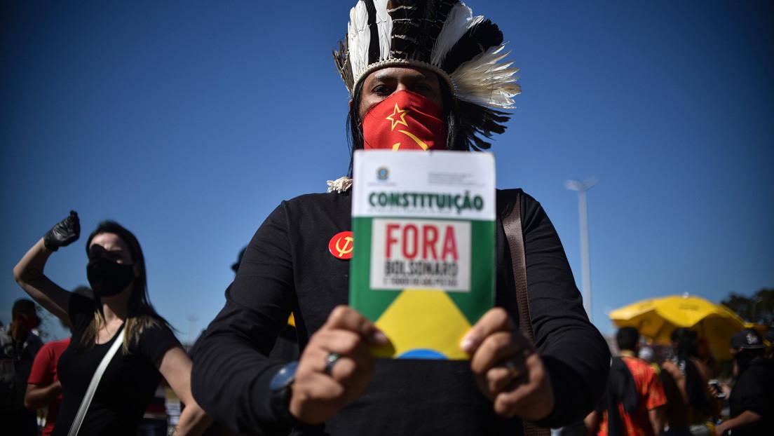 """""""Tragedia sin precedentes"""": Un informe alerta del aumento de la violencia contra los pueblos indígenas durante el primer año de gobierno de Bolsonaro"""