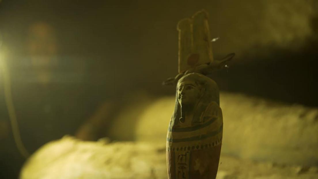 5f574aa159bf5b3c5b7ce8ca Descubren en Egipto 13 sarcófagos de 2.500 años de antigüedad completamente sellados y en perfectas condiciones