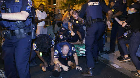 Un policía mata de un balazo en el pecho a un afroamericano de 18 años en Washington D.C.