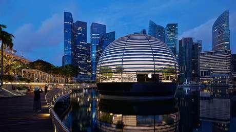 FOTOS: La espectacular nueva tienda de Apple en Singapur es esférica y flotante