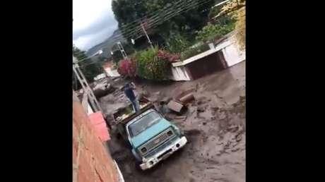 Despliegan la Fuerza Armada tras el desbordamiento del río El Limón en el centro-norte de Venezuela (VIDEOS)